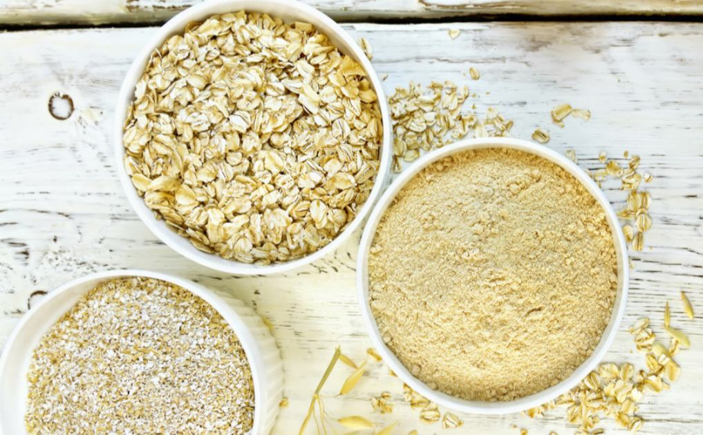 How to Soak Whole Grains - Switching from refined grains to whole grains is definitely a step in the healthy direction. However, did you know that you might not be getting all the nutrients that you should be from your whole grains? Learn how to soak whole grains to get all those nutrients! #soaked #soaking #wholegrains #health #healthyfoods