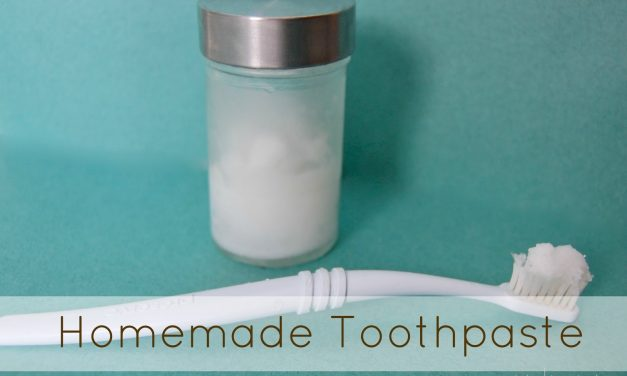 Homemade Toothpaste with Baking Soda
