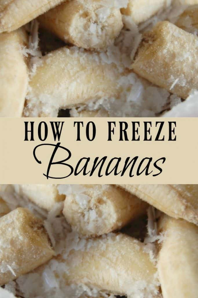 Learn how to freeze bananas so you will never have any bananas go to waste! Frozen bananas are perfect for making smoothies! #bananas #freezingfood #smoothies #frozen #foodprep