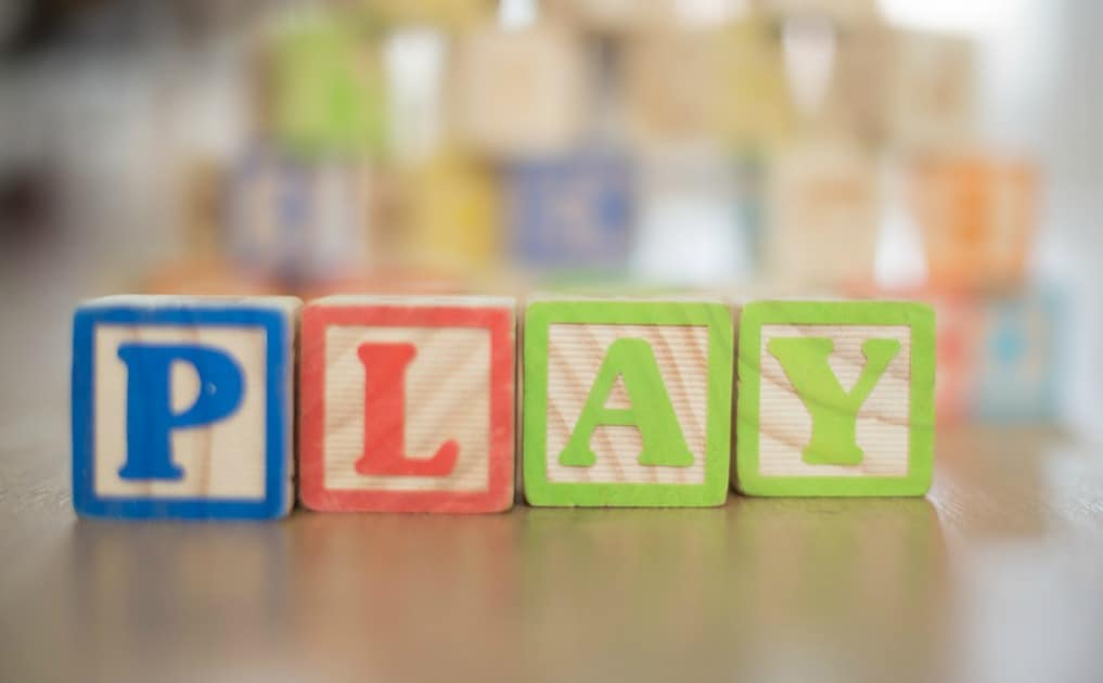 How to Choose Toys for Natural Kids
