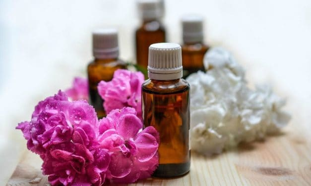 How to Clean the Air with Essential Oils