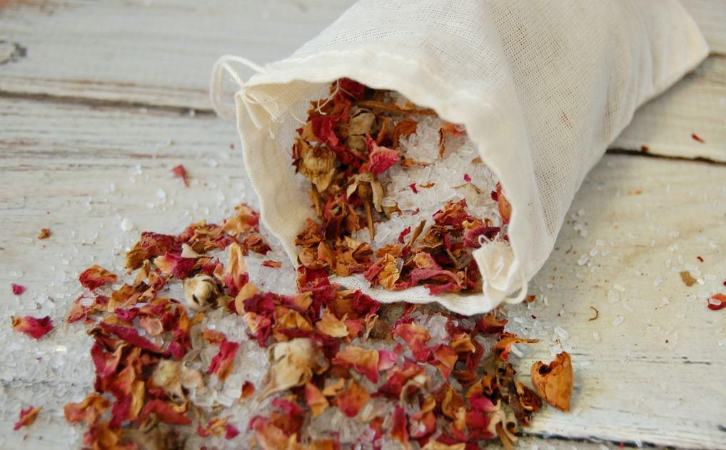 Rose bath salts in bag